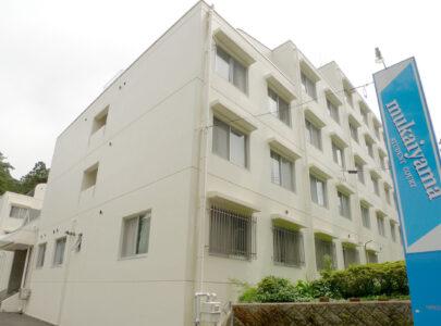mukaiyama STUDENT COURT(ムカイヤマ ステューデント コート)